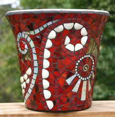 Mosaic Pot by jackienoyes, via Flickr