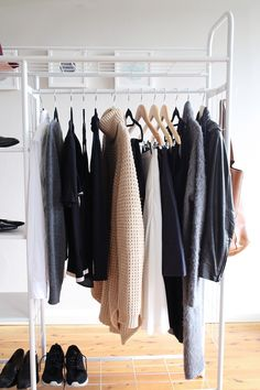 From Project to the Wardrobe Challenge, to my own take on a seasonally curated wardrobe – the fluid capsule – minimal closets and capsule wardrobes in particular have be… Wardrobe Sets, Wardrobe Closet, Closet Space, Capsule Wardrobe, Diy Closet Doors, Closet Storage, Minimalist Closet, Minimalist Fashion, Closet Designs