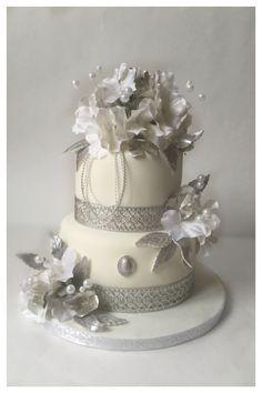 Small wedding cake !