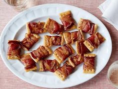 Bacon crackers Appetizers Recipe from Food Network Crackers Appetizers, Bacon Appetizers, Appetizer Recipes, Appetizer Dishes, Appetizer Ideas, Best Thanksgiving Appetizers, Holiday Appetizers, Holiday Recipes, Thanksgiving Holiday