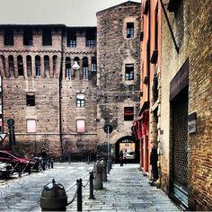 Bologna, Uno scorcio di Piazza Galileo Galilei ...(foto di @joannahoddinot )