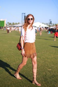 This year, the style at Coachella finally felt fresh again, after many years of floral crowns and short-shorts. Here's the best Coachella street style. Moda Hippie, Moda Boho, Music Festival Outfits, Music Festival Fashion, Music Festivals, Festival Looks, Festival Style, Rave Party Outfit, Suede Fringe Skirt