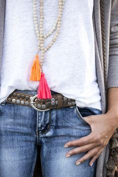Key Necklace / Diamond Key Pendant / Diamond Necklace / Dainty Key Charm Necklace / Gold Key Necklace / Diamond Key Charm / Gift for her Item Details Diamond Bar Necklace, Emerald Necklace, Key Necklace, Emerald Jewelry, Mala Bracelet Diy, Beaded Bracelets, Long Cardigan, Boho Outfits, Orange