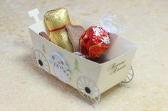 Die-namics Candy train, 4EnScrap Ours & Cie (Matrices n°166), 4EnScrap Etiquette & Cie #3 (matrices n°174), Denim tampons Bonne année (141A01), 4EnScrap l'hiver est arrivé (set n°60), 4EnScrap Décembre jour après jour (set n°17), Florileges Design Bon appétit