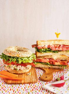 Ricardo helps you find that perfect recipe for when you're low on time. Learn how to make dozens of meals in 30 minutes or less. Philly Steak Sandwich, Bagel Sandwich, Panini Sandwiches, Wrap Sandwiches, Bagel Burger, Grilled Burger Recipes, Fish Supper, Cheese Stuffed Mushrooms, Bacon