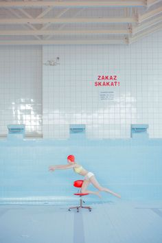 The Calm Waters Of Photographer Maria Svarbovas In The - The Lens Of Photographer Maria Svarbova Has Captured Hauntingly Still Images Of Women In Various Stages Of Swimming In Her Photographic Series In The Swimming Pool Maria Says That Her In Willy Ronis, Trucage Photo, Roman Photo, Art Photography, Fashion Photography, Illustration, Female Images, Art Direction, Photoshop