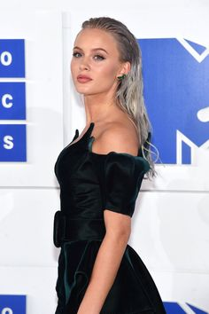 Celebrity Hair and Makeup at the MTV Video Music Awards 2016 | POPSUGAR Beauty