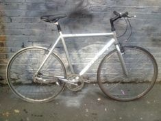 Station Bicycle Walthamstow provide New and Second hand bicycles with all accessories & service facility on discounted prices. Vintage Ladies Bike, Second Hand Bicycles, Raleigh Bikes, Old Bicycle, Speed Bike, Bikes For Sale, East London, Two Hands, Road Bike