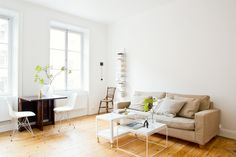 Södermalm vardagsrum soffa soffbord cdhylla