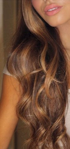 Brown hair with Carmel highlights...... GOOD NEWS!! .... Register for the RMR4…