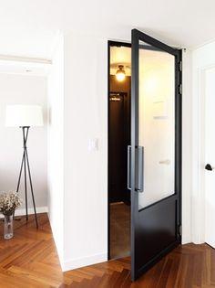 블랙과 화이트의 미니멀한 아파트 : 매거진캐스트