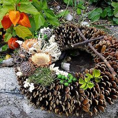 Dušičkový věneček - S proteou Grave Decorations, Flower Decorations, Seasonal Decor, Fall Decor, Holiday Decor, Christmas Wreaths, Christmas Decorations, Wood Wreath, Pine Cone Crafts