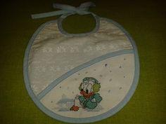 Creativity Marathon - day 2: cross stitch baby bibs, winter theme. Stitched with #aurifloss threads by #aurifil.  Per il secondo giorno, ho scelto 2 bavagline per neonato (maschietto e femminuccia), entrambe a tema invernale.