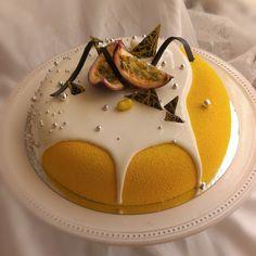 И снова манго-маракуйя в моей любимой форме) Очень нравится лить глазурь на…