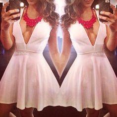 White dress (fashion: dress/skirts)