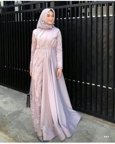 Discover recipes, home ideas, style inspiration and other ideas to try. Hijab Dress Party, Hijab Style Dress, Modest Fashion Hijab, Modern Hijab Fashion, Muslim Women Fashion, Abaya Fashion, Dress Outfits, Dresses, Abaya Style