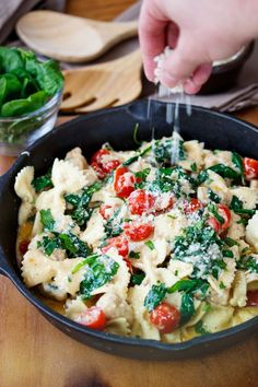 I think this Skillet Chicken Alfredo Pasta takes my admiration for the Pioneer Woman to the next level. (Ree? Are you out there? Can I come live on your ranch with you? I promise to be quiet and let you lick the spoon every time!) ………… (Sorry, little creepy). But her recipes are my jam.…   [read more]