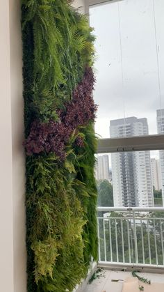 Discover recipes, home ideas, style inspiration and other ideas to try. Small Balcony Design, Small Balcony Garden, Small Balcony Decor, Balcony Ideas, Patio Ideas, Vertical Garden Plants, Vertical Garden Design, Vertical Plant Wall, Vertical Gardens