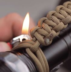 Flashlight Paracord Strap Step Ten