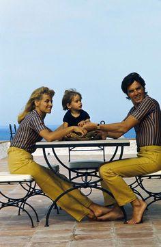 Alain Delon, avec Nathalie et Anthony Delon à Saint-Tropez ©