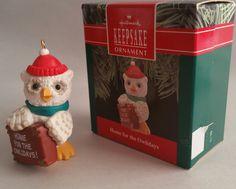 """Hallmark Keepsake Ornament, """"Home for the Owlidays"""", 1990."""