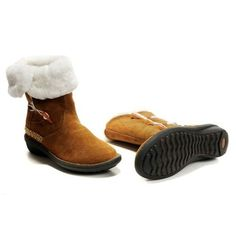 UGG Classic Short Boot for Women 2012 New Collection - 2019 Ugg Classic Short Boot, Ugg Classic Cardy, Ugg Boots Clearance, Ugg Leather Boots, Glitter Uggs, Baby Uggs, Uggs For Cheap, Short Boots, Shoe Game