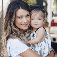 taytum and oakley Cute Outfits For Kids, Cute Kids, Cute Babies, Children Photography, Family Photography, Tatum And Oakley, Twin Mom, Happy Mom, Cute Family