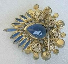 Is it Really Juliana? Juliana Identification Tips from My Classic Jewelry Old Jewelry, Tribal Jewelry, Luxury Jewelry, Jewelry Art, Antique Jewelry, Vintage Jewelry, Hippie Jewelry, Western Jewelry, Vintage Brooches