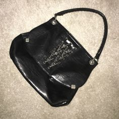 💕 Jessica Simpson crossbody/ shoulder bag💕 Used maybe twice, in excellent condition. Just got to many purses and making room in my closets. Smoke and pet free home. Update: there is a long non adjustable strap to it, so it can be used as a cross body bag. Jessica Simpson Bags Crossbody Bags