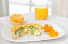 Omelett i form med broccoli i midten. (Illustrasjonsfoto: All Over Press)