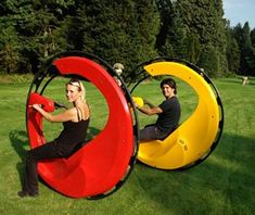 """""""Motorized Monocycle Puts You Inside One Fun Giant Wheel"""" .when going downhill and wanting to suddenly stop. Cool New Gadgets, Future Gadgets, Gadgets And Gizmos, Technology Gadgets, Monocycle, Velo Cargo, Cool Inventions, Future Inventions, Cool Tech"""
