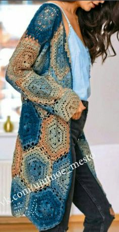 Crochet Poncho Learn how to make crochet cardigan free pattern crafts - blue and brown yarn - I'll teach you how to make a crochet cardigan with the free pattern. Your crafts will look beautiful and you will be fashionable. Use the crochet yarn. Pull Crochet, Gilet Crochet, Crochet Coat, Crochet Clothes, Crochet Lace, Crochet Sweaters, Crochet Vests, Tunisian Crochet, Crotchet