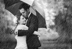 http://iso.500px.com/rainy-wedding-photos/?utm_source=500pxutm_medium=facebookutm_campaign=june21_130PM_rainy-wedding-photos