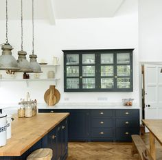 deVOL Kitchens make the Classic English Kitchen, Shaker Kitchen and Air kitchens. All our bespoke kitchens are handmade by deVOL cabinet makers in our Leicestershire workshops. Blue Kitchen Cabinets, Shaker Kitchen, New Kitchen, Kitchen Dining, Kitchen Decor, Wall Cabinets, Dining Rooms, Kitchen Ideas, Devol Kitchens