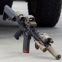 Just here to appreciate awesome guns and whatever else that catches my eye 😉 Military Weapons, Weapons Guns, Guns And Ammo, Cool Guns, Assault Rifle, Tactical Gear, Firearms, Pew Pew, Holsters