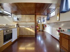 Amsterdam Houseboat - Chic Kitchen area