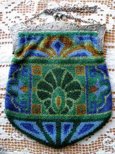 Spectacular Antique Art Nouveau Glass Beaded Purse (item #708228, detailed views)