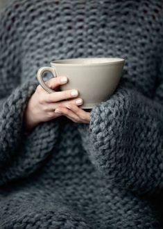 Riesenkuschelpulli an, einen Tee machen, Netflix an - entspannen. | Stylefeed