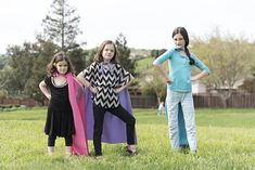 No-Sew Superhero Capes for kids are all the rage this Halloween! And really, whenever the dress-up trunk calls. Funny Kid Halloween Costumes, Easy Homemade Halloween Costumes, Batman Party, Superhero Party, Superhero Capes For Kids, No Sew Cape, Button Wreath, Christmas Buttons, Disney Cars Birthday