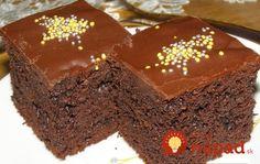 Bez váhy a odmerky: 5-minútový čokoládový koláč s kyslou smotanou!