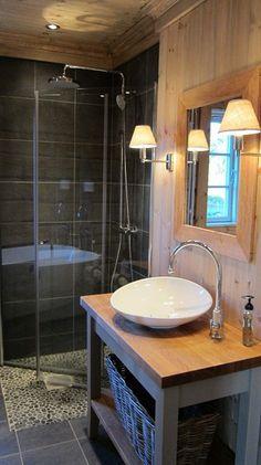 FINN Eiendom - Fritidsbolig til salgs Chalet Interior, Diy Bathroom, Gate House, Little Cabin, Cabin Interiors, Wet Rooms, Log Homes, Decoration, Home Decor