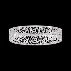 CHANEL - Bracelet Camélia en or blanc 18 carats et diamants - J3760