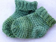 crochet baby socks free pattern via 24 Free #Crochet Patterns and Other Awesome Things in Crochet (a #NatCroMo Update)