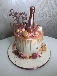 Gorgeous rose gold drip cake perfect for the ladies 30th Birthday Cake For Women, Birthday Cake For Women Elegant, 19th Birthday Cakes, Birthday Drip Cake, Elegant Birthday Cakes, Beautiful Birthday Cakes, Birthday Cake Decorating, 21st Birthday, Designer Birthday Cakes