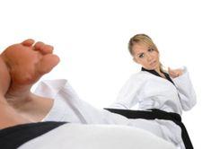 Karate Kick, Martial Arts Women, Female Art, Kicks, Sexy, Martial Arts, Woman Art