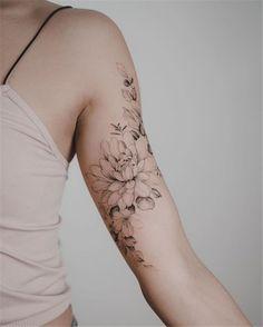 🌸🌿 Danke, dass du die Reise vom US-Freund friend gemacht hast - tattoos .🌸🌿 Thank you for making the trip from the US friend friend - tattoos - Bicep Tattoo Women, Shoulder Tattoos For Women, Arm Tattoos For Women Upper, Bicep Tattoos, Half Sleeve Tattoos For Women, Beautiful Tattoos For Women, Hip Tattoos Women, Script Tattoos, Beautiful Flower Tattoos