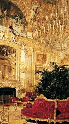#Luxury Spaces - stunning #opulence #Luxurydotcom