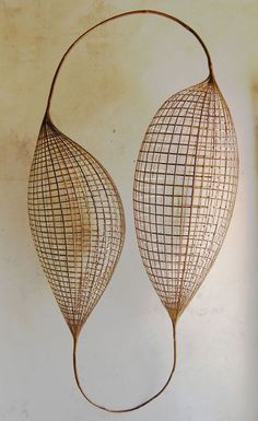 brown - sculpture - Sopheap Pich - Bamboo and wire Organic Sculpture, Art Sculpture, Land Art, Theme Design, Instalation Art, New Shape, Wire Art, Textile Art, Basket Weaving