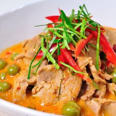 Panang Curry with Pork Curry Dishes, Thai Dishes, Side Dishes, Thai Recipes, Asian Recipes, Beef Recipes, Eat Thai, Red Curry Chicken, Good Food