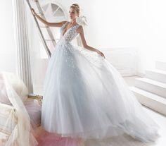 Moda sposa 2018 - Collezione NICOLE.  NIAB18092. Abito da sposa Nicole.